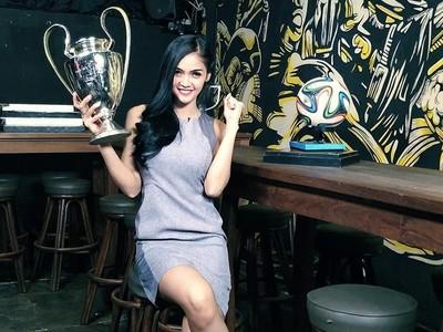 Foto: Liburannya Presenter Olahraga Seksi Kartika Berliana