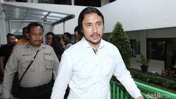 Ello Janji Tak Pakai Narkoba Lagi, Bakal Bebas Februari 2018?