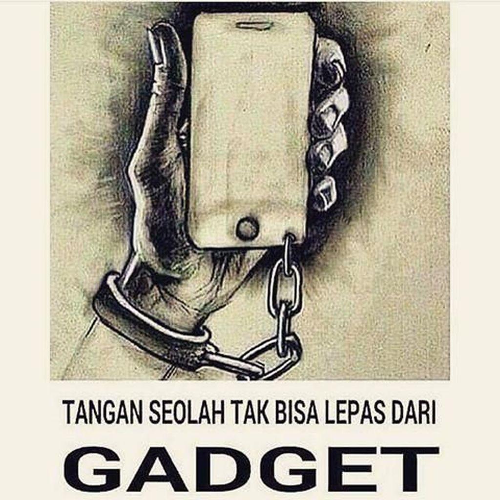 Menohok! Meme Ini Sindir Pengguna Gadget