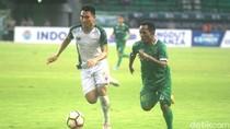 Sepuluh Pemain Persebaya Tahan Imbang PS TNI