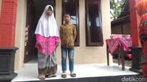 Nenek Pemulung dan Cucunya di Boyolali ini Akhirnya Punya Rumah