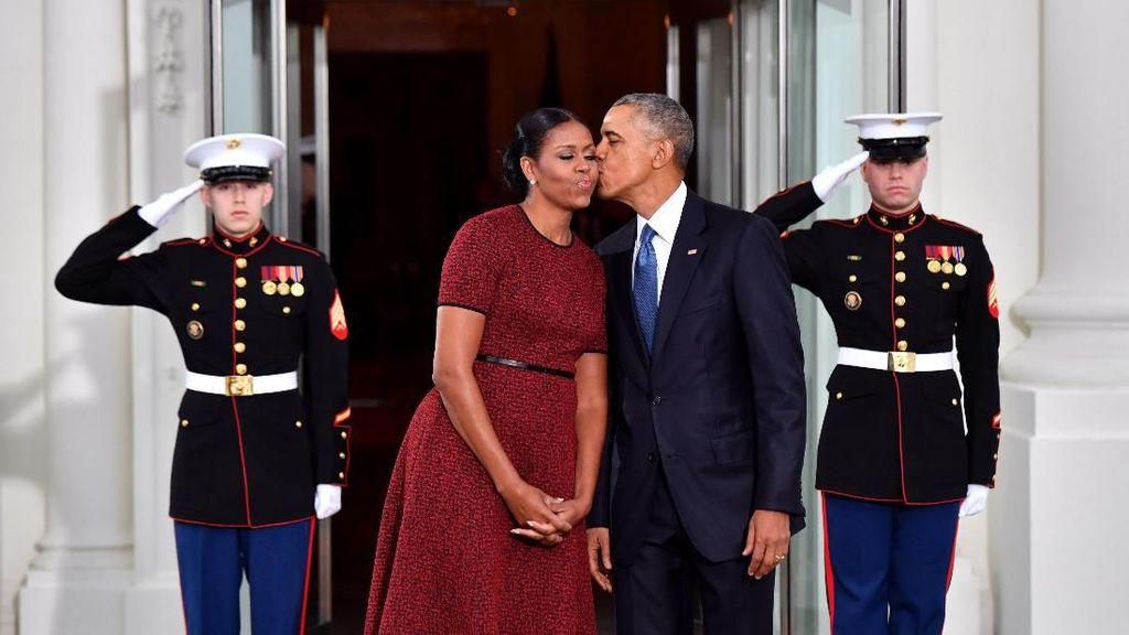 So Sweet! Kado Romantis Obama untuk Istri