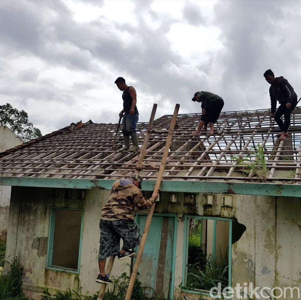 Warga Sukabumi Polisikan Sekelompok Penjarah Atap Rumah