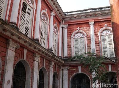 Foto: Rumah Dua Setengah Abad yang Diabaikan di India