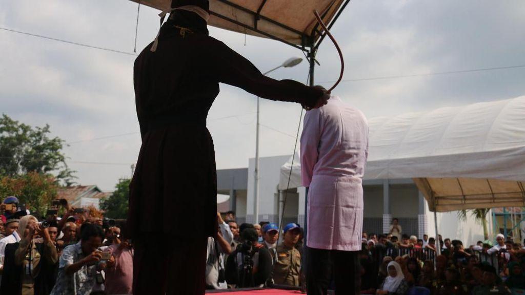 Kasus Miras di Aceh, Pria Nonmuslim Dicambuk 36 Kali