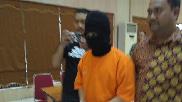 Diduga Cabuli 3 Murid, Oknum Guru di Bekasi Ditangkap Polisi