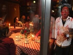 Orang-orang Ini Berurusan dengan Polisi karena Lakukan Hal Aneh di Restoran (2)