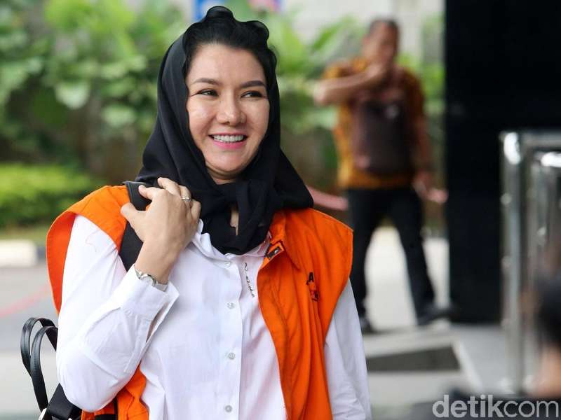 Kasus TPPU Bupati Rita, KPK Sita Ratusan Perhiasan hingga Jam Tangan