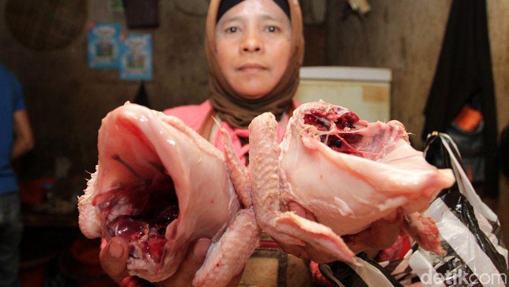 Harga Ayam Naik di Pasar Soreang Bandung
