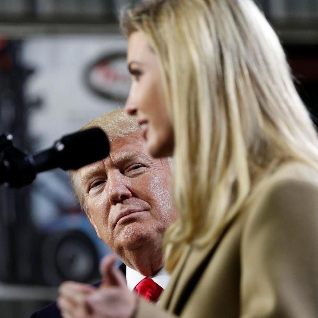 Melihat Tatapan Trump ke Ivanka Saat Kunjungan Kerja