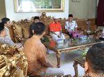 KPU Jabar Lakukan Coklit di Rumah Uu Ruhzanul Ulum