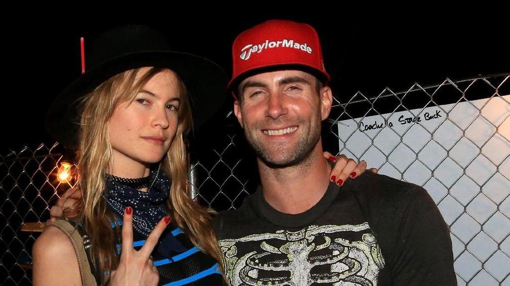 Selamat! Adam Levine dan Behati Prinsloo Dikaruniai Anak Kedua