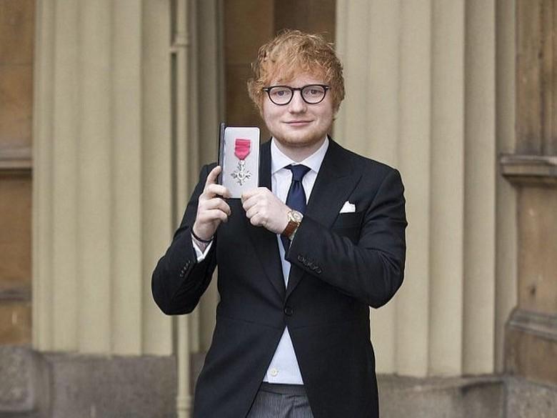 Harry Minta Ed Sheeran Tampil di Pernikahannya dengan Meghan Markle