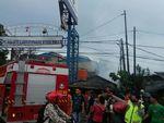 Korsleting Listrik, 12 Rumah Petak di Cakung Terbakar