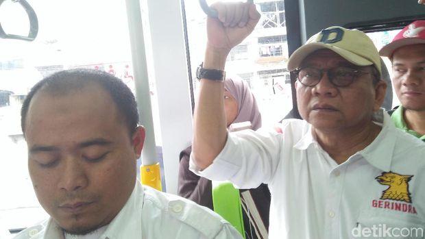 Pengurus DPD Gerindra DKI mengecek penataan kawasan Tanah Abang, Sabtu (20/1/2018)
