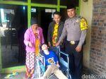 Begini Kedekatan Bripka Anang dengan Bocah Disabilitas Sukabumi