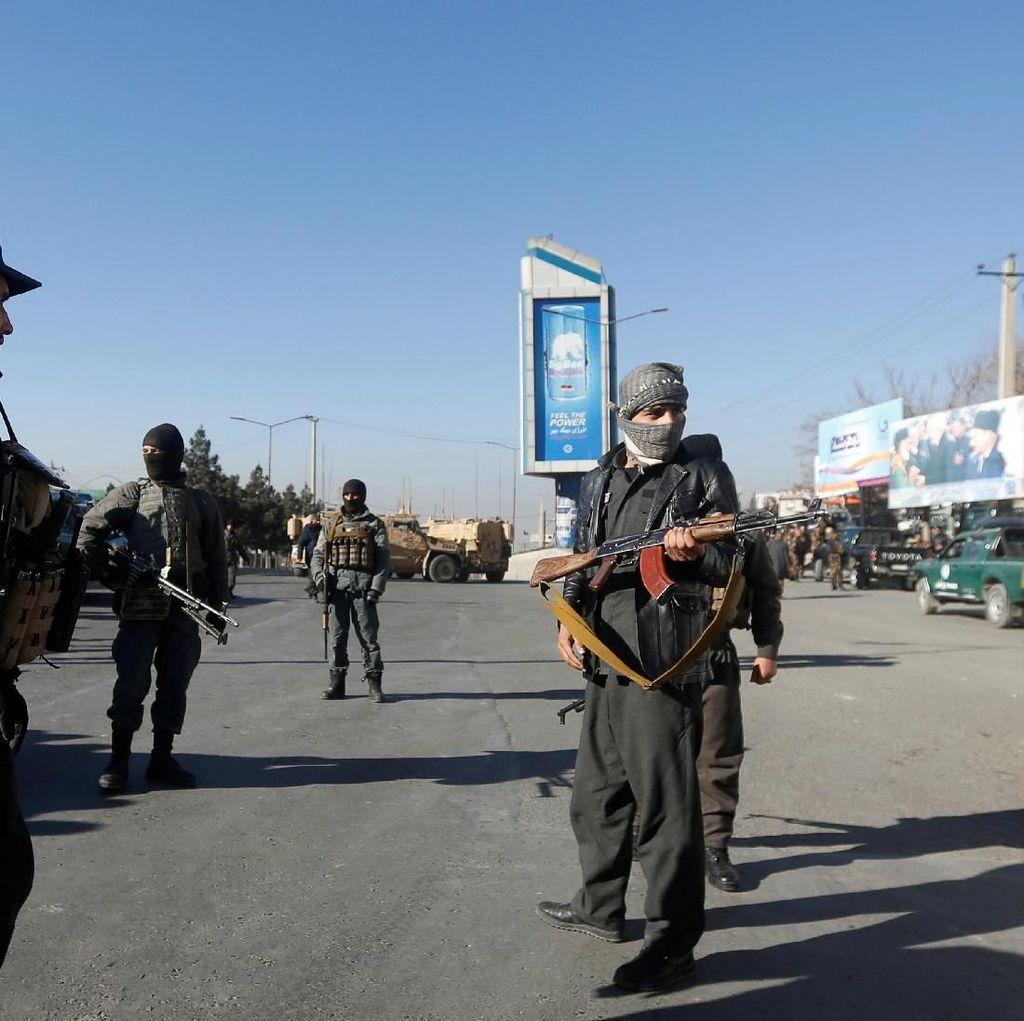 Video Kelompok Bersenjata Sandera Ratusan Warga Afghanistan di Hotel