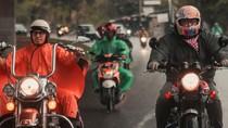 Cerita Kevin Julio Niat Bertemu Jokowi Pakai Moge Meski Hujan