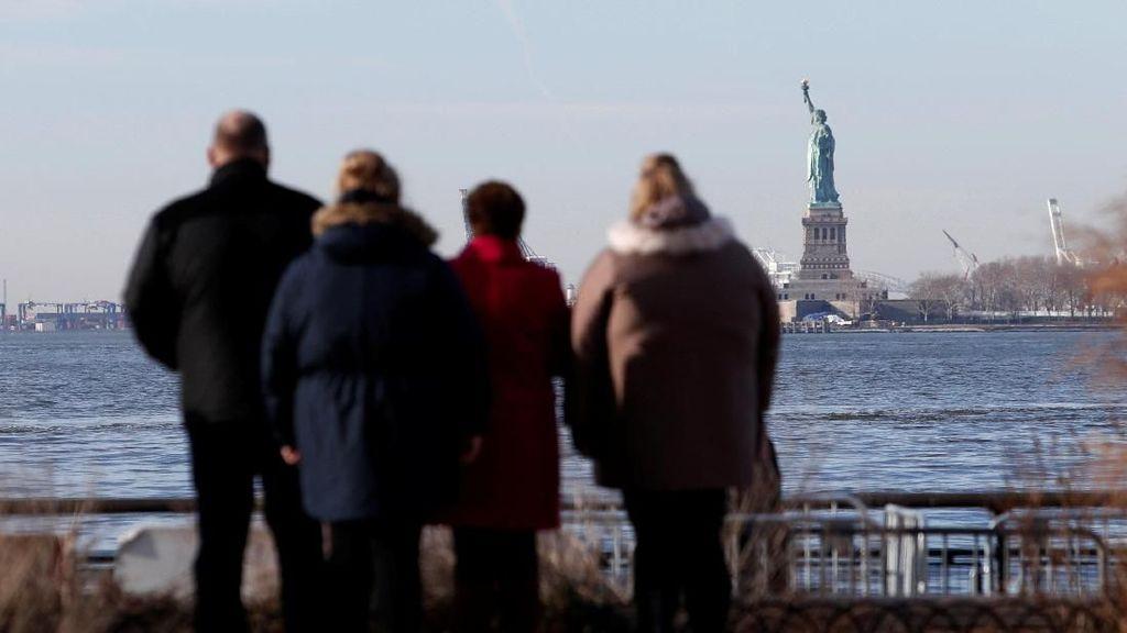 Pemerintah AS Shutdown, Patung Liberty Ikut Tutup
