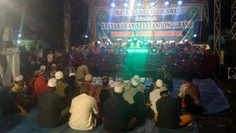 Cantrang Dilegalkan, Nelayan Probolinggo Gelar Doa Bersama