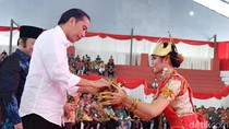 Jokowi Bagikan 3.500 Sertifikat Tanah ke Warga Lampung