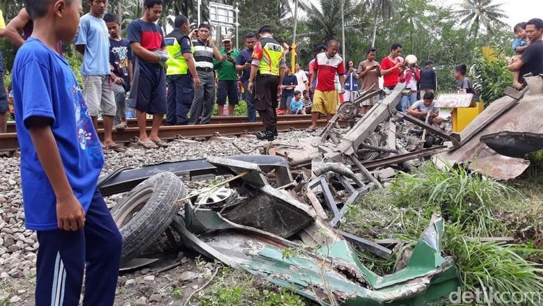 67 Perlintasan Liar di Blitar, Ngawi, dan Jombang Ditutup