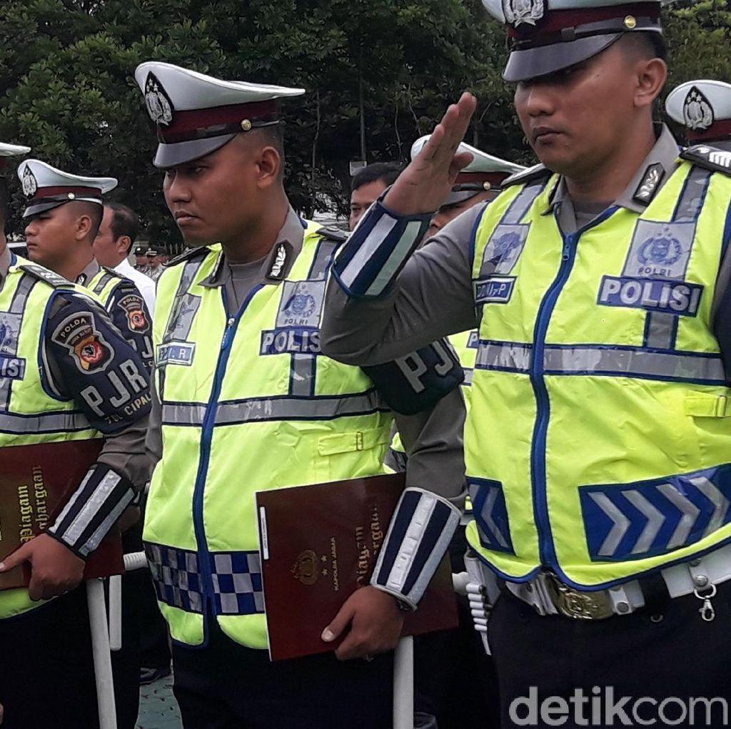 Polisi Pengejar Pencuri Truk di Indramayu Diberi Penghargaan