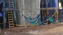 Foto: Beton LRT Roboh di Kayu Putih Kini Digaris Polisi