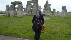 Salut! Hijab Traveler Asal Singapura Ini Rajin Berbagi Ke Panti Asuhan