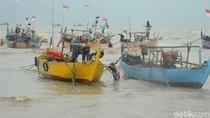 Cuaca Buruk, Nelayan Rajungan di Rembang Pilih Tak Melaut