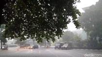Diterjang Hujan dan Angin Kencang, Atap RSUD Sleman Ambrol