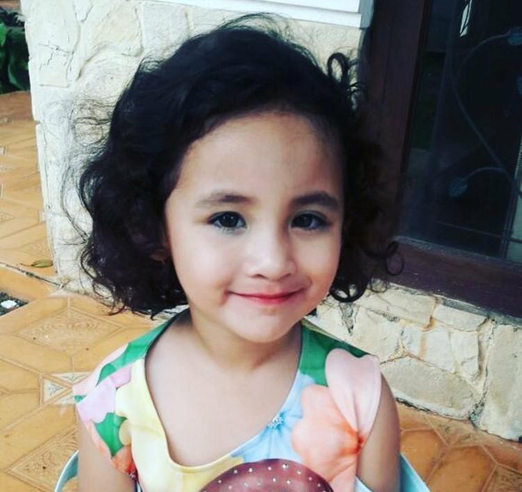 Sekarang, Keisha umurnya udah 3 tahun, Bun. Makin besar makin cantik ya. (Foto: Instagram/ @arumi_arumi_94)