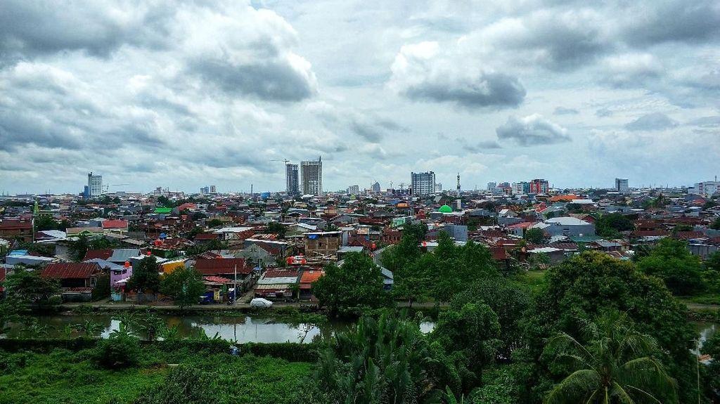 Makassar Ku Menyambut Pagi Berawan