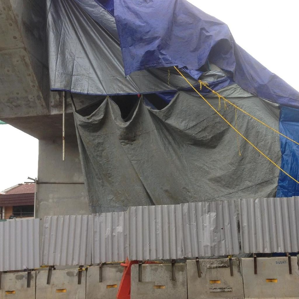 Begini Penampakan Konstruksi Proyek LRT Roboh di Kayu Putih