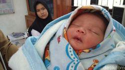 Polisi Duga Ibu Kandung yang Buang Bayi di Tempat Sampah Cirebon