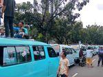 Saat Pangkalan Angkot Tanah Abang Pindah ke Depan Balai Kota DKI