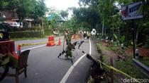 Jalan Ambles di Gunungkidul, Penghuni Rumah Didekatnya Mengungsi