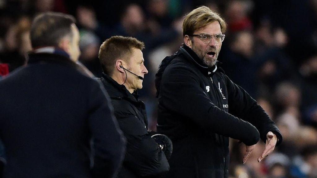 Liverpool Kalah, Klopp Ribut dengan Suporter Lawan Lalu Minta Maaf