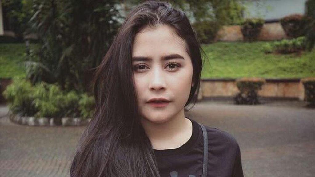 Bukan Barang Murah, 10 Kaus Artis Indonesia Ini Harganya Jutaan Rupiah