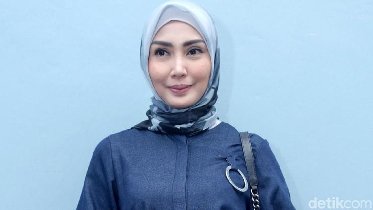 Trik Fenita Arie agar Anak Nggak Malas Sarapan