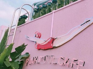 Bisa Puas Selfie di Stylenanda Pink Pool Cafe yang Serba Pink dan Girly Ini