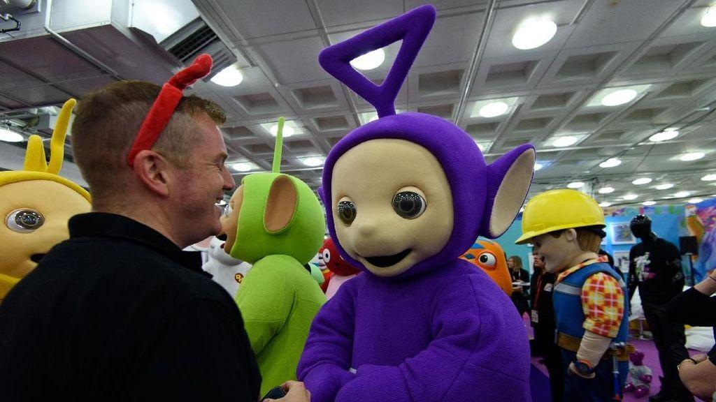 Aktor Pemain Tinky Winky di Teletubbies Meninggal di Usia 52 Tahun