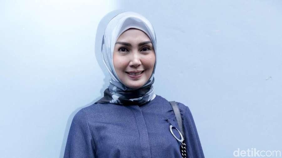 Cerita Berkah yang Didapat Fenita Arie Usai Berhijab