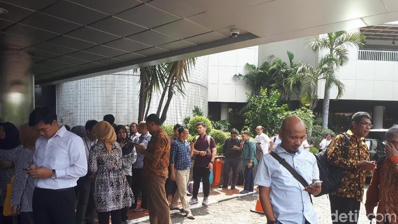 Gempa Goyang Jakarta, Pegawai KemenBUMN Berlarian ke Luar Gedung