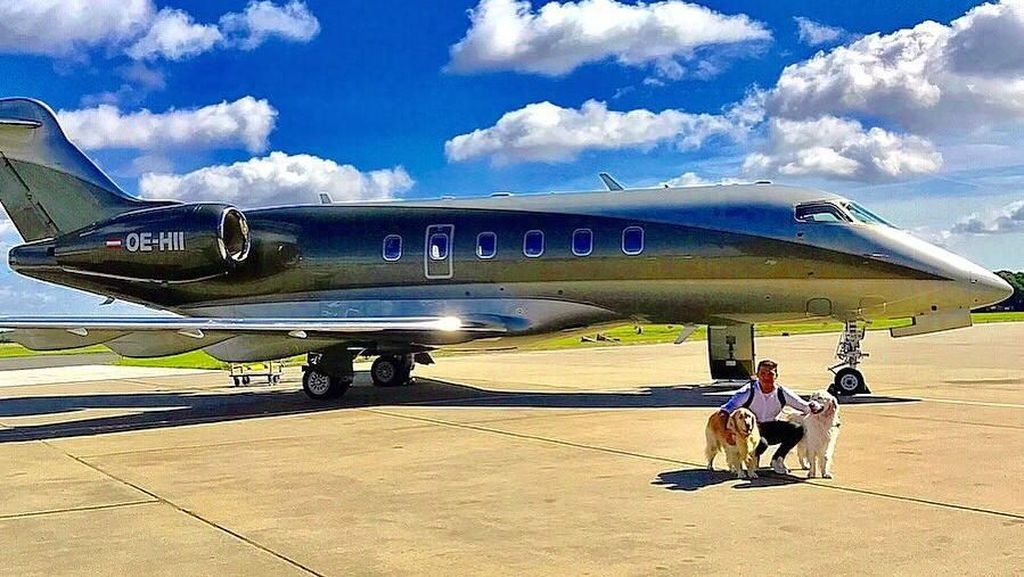 Foto: Alexis Sanchez & Jet Pribadinya
