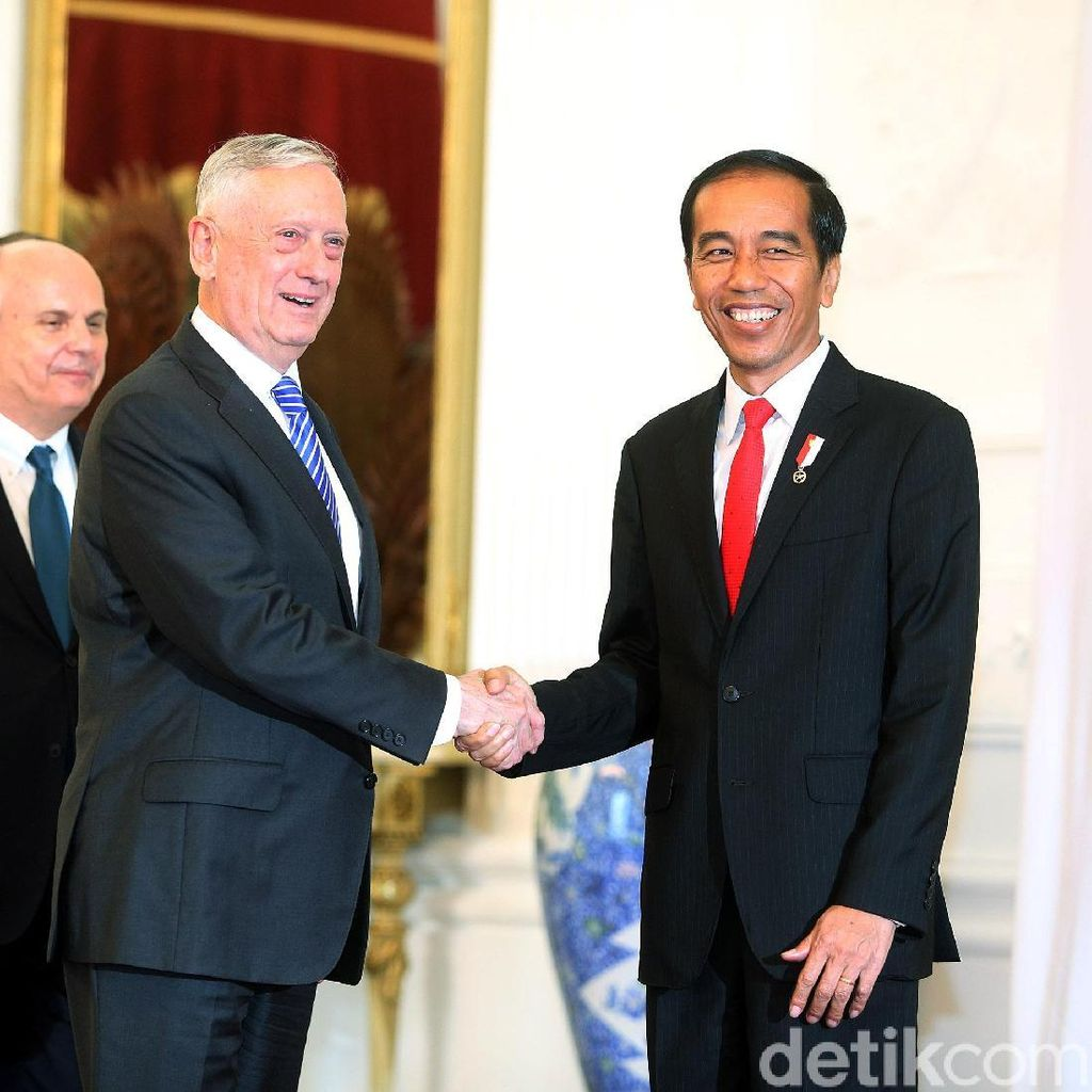 Bertemu Jokowi, Menhan AS: Banyak Kesamaan Pandangan Soal Korut
