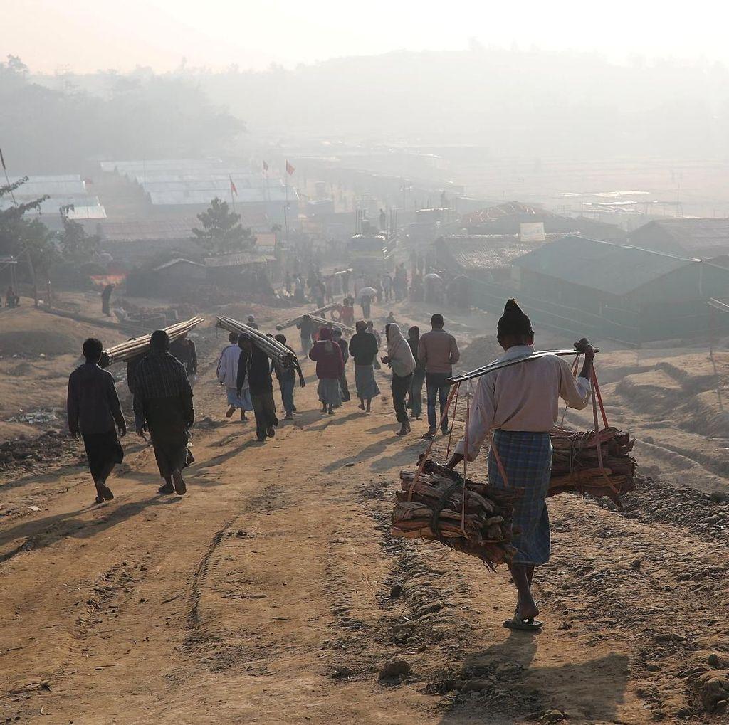 Pengungsi Rohingya Tewas dalam Serangan di Kamp Bangladesh
