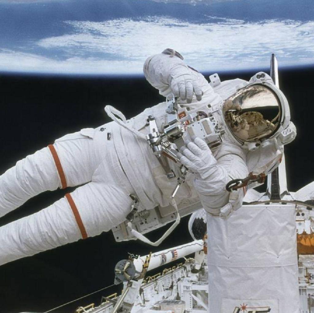 Mengintip Gaji Melimpah Astronot NASA