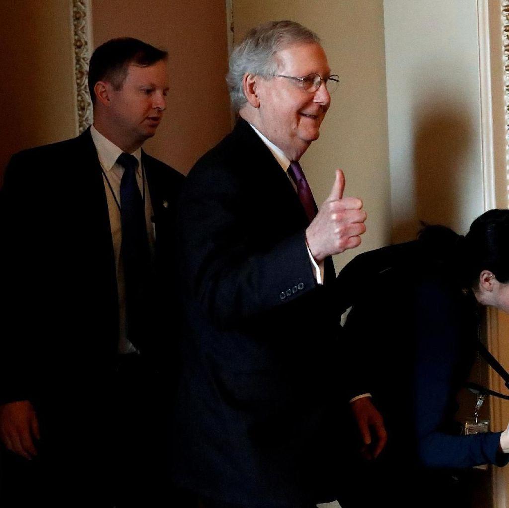 Foto: Shutdown Berakhir, Begini Ekspresi Para Anggota Kongres AS
