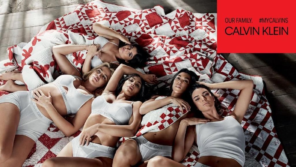 Seksinya Keluarga Kardashian-Jenner di Iklan Calvin Klein Underwear